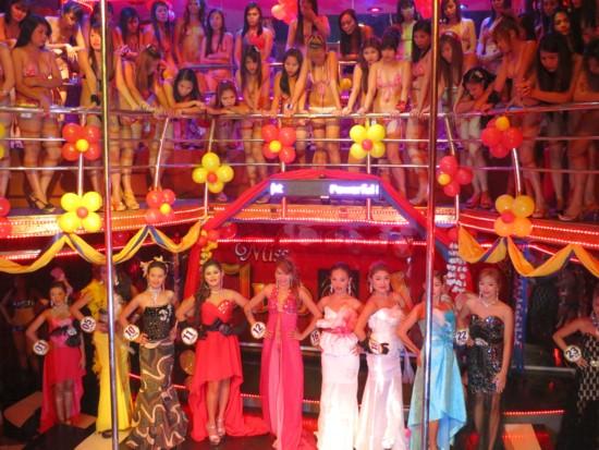 miss asia2013 coronation (111)