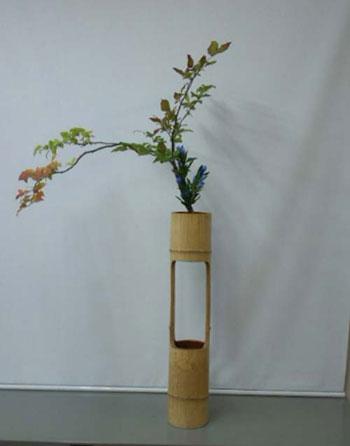 作品 8月20日 夏はぜとリンドウ 二種生けお生花