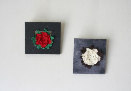 バラモチーフの壁掛け