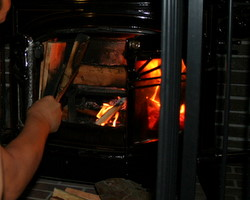 薪ストーブの火