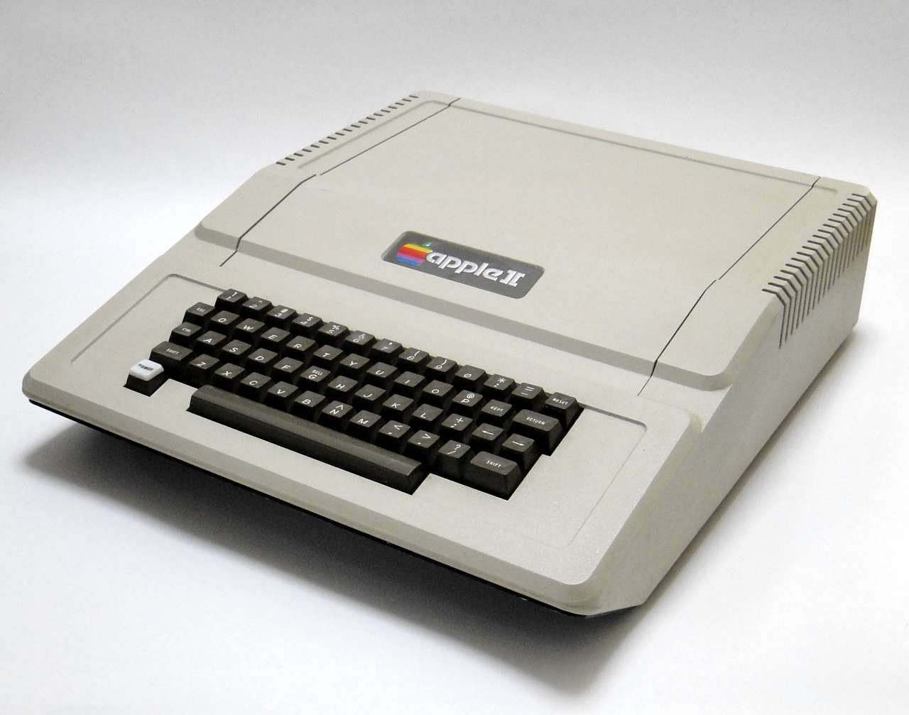 Apple2Std_01.jpg