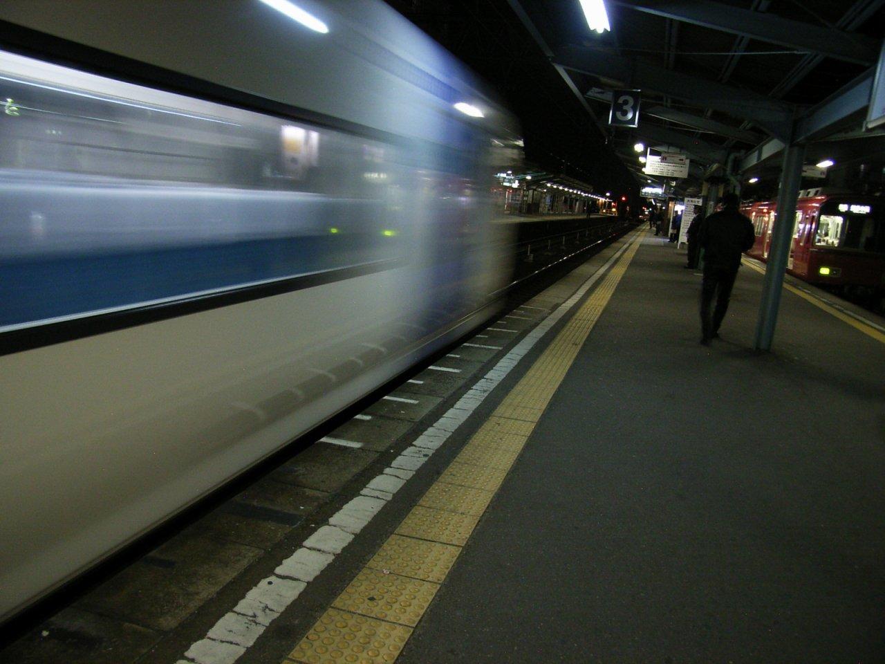 国府宮駅にて