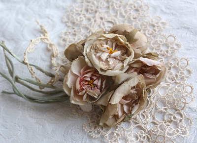 アンティークの布花