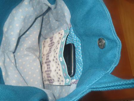 バラモチーフレースのバッグ内P450
