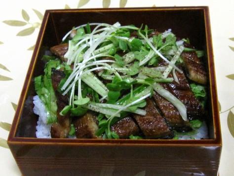 うなぎのサラダ丼 004