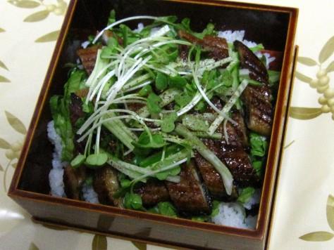 うなぎのサラダ丼 006