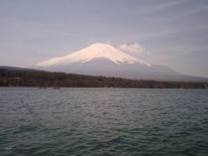 湖上からの富士山