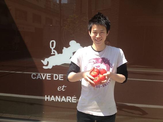 仁郎とトマト