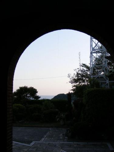 黒崎教会入り口から見た景色