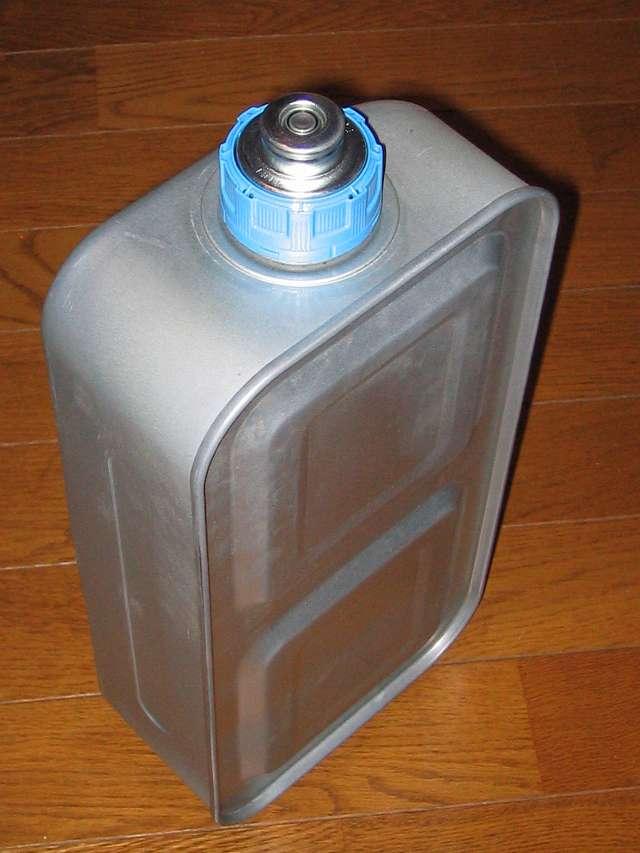 TOYOTOMI トヨトミ 石油ストーブ RS-S23C(B) 油タンク (気密油タンク・こぼれま栓付) 別角度から撮影 その 1