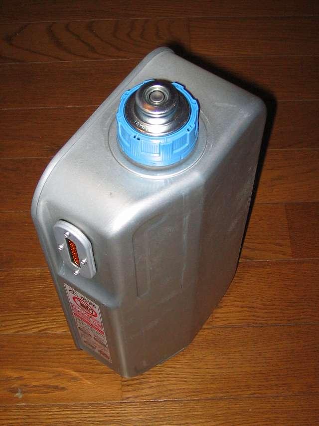 TOYOTOMI トヨトミ 石油ストーブ RS-S23C(B) 油タンク (気密油タンク・こぼれま栓付) 別角度から撮影 その 2