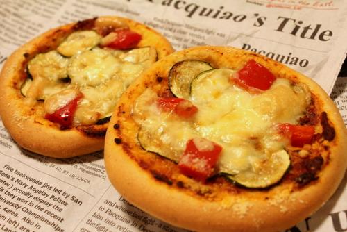 13.05.14ズッキーニとパプリカのピザパン