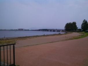 近江大橋が見える