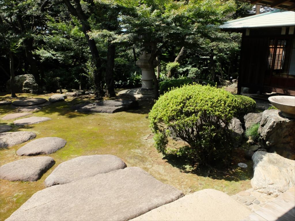 広縁から眺める庭の佇まいは最高_4