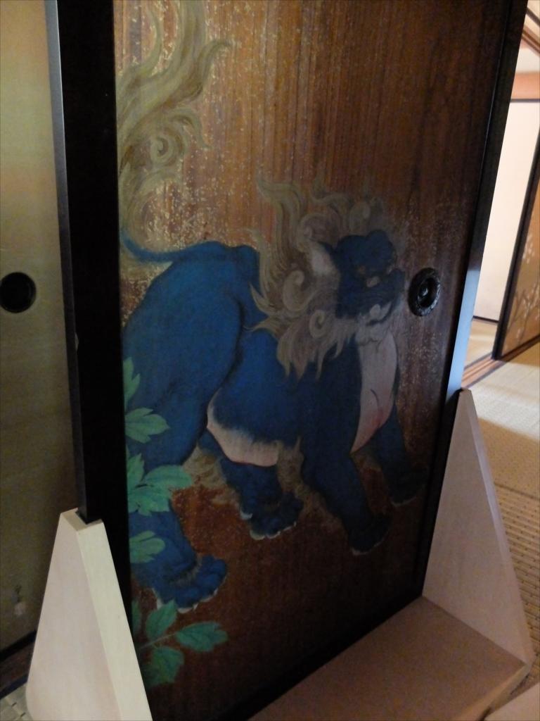 階段を上がったところにあった板戸に描かれた絵_2