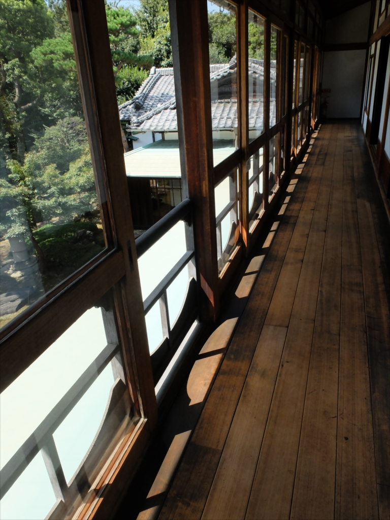 2階和室前廊下_1