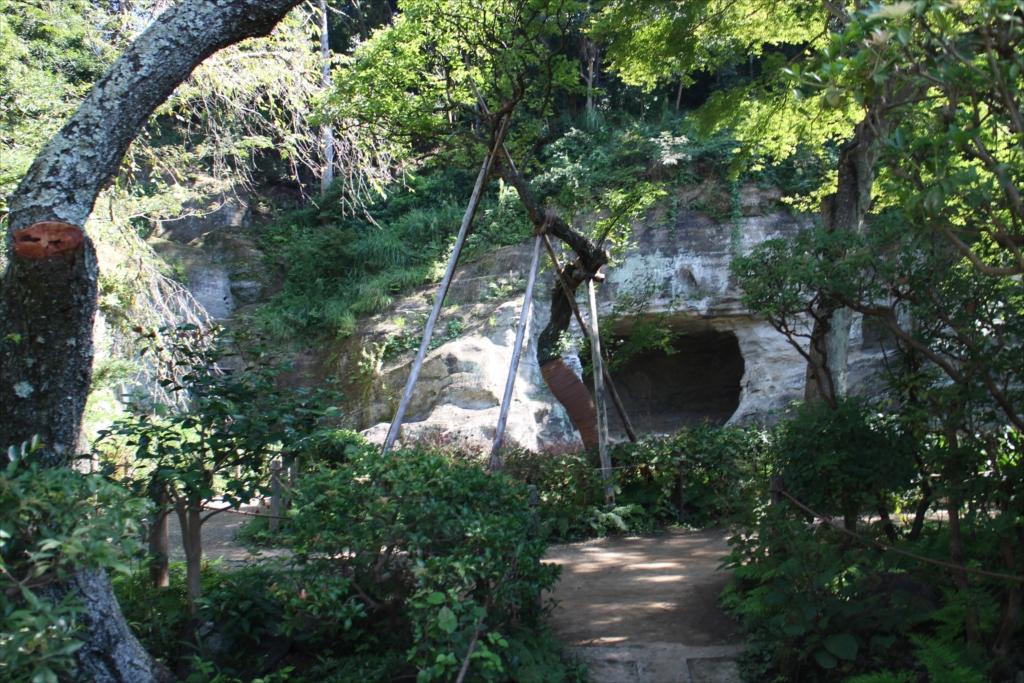 瑞泉寺庭園が見えてきた_1