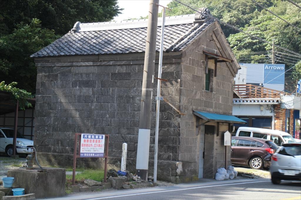 古めかしい建物も少し残っている_7