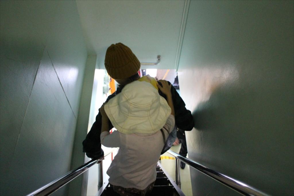階段は非常に急勾配_2