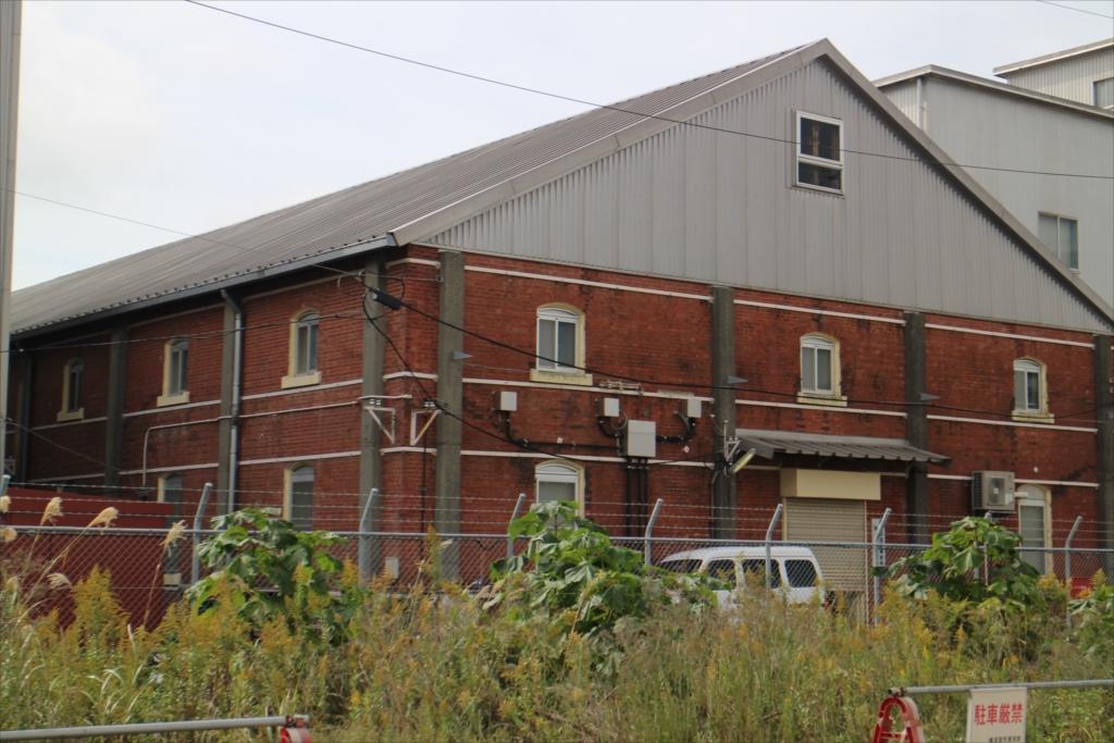 レンガ造りの倉庫_3