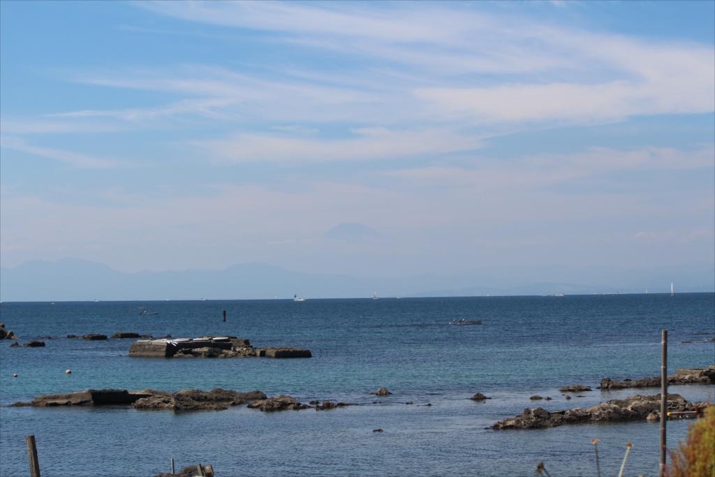 いよいよ富士山は霞んで見えにくく_1