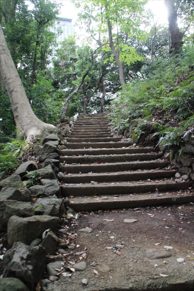 前方部の墳丘への階段