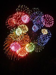 いろんな色いっぱい花火
