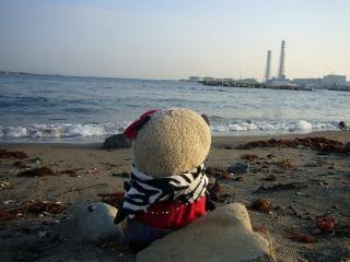 海を眺めるB氏