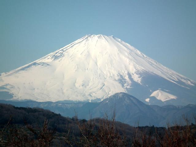 湘南、二宮町の吾妻山山頂から見た富士山