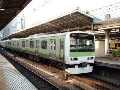 akinad008.jpg
