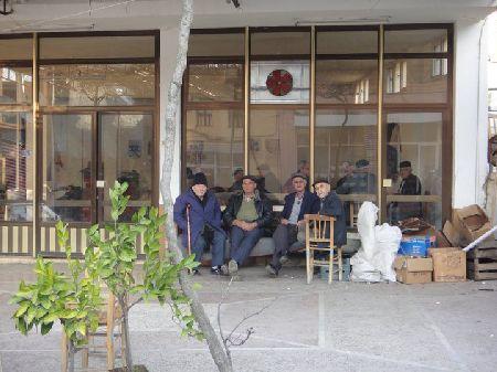 男性ばかりの喫茶店