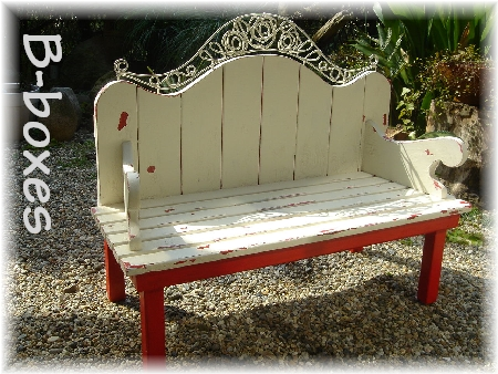 gardenbench whiteDSC00323