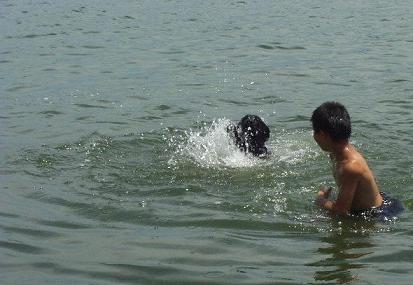 ビビ溺れてる