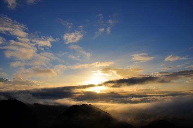 神々しい日の出(1)