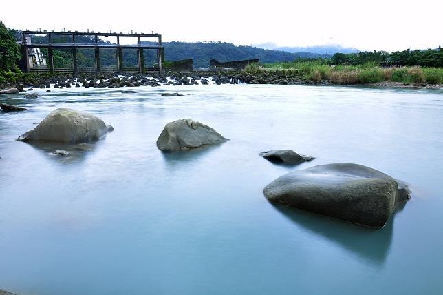 清流の枯山水