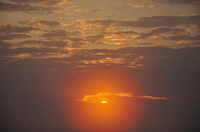 霧の中に沈む太陽(8)