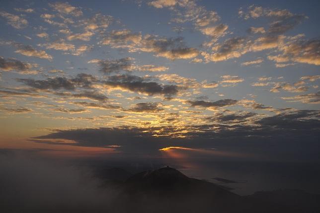 霧の中に沈む太陽(6)
