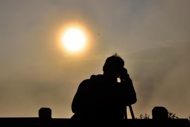 霧の中沈む太陽(5)