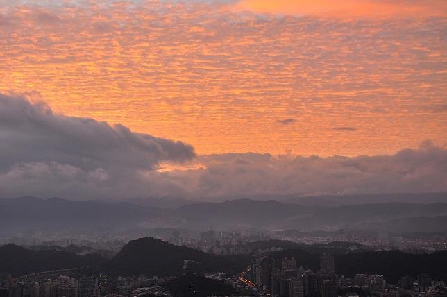 朝焼け雲(4)