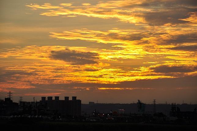 燃え盛る雲(1)
