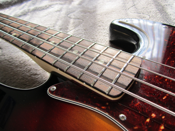 Fender Deluxe Active Jazz Bass Upgrade 09