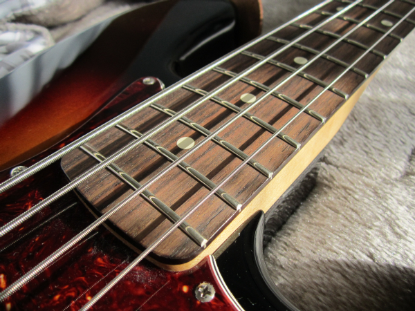 Fender Deluxe Active Jazz Bass Upgrade 10