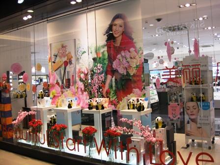 blog_化粧品売り場100210