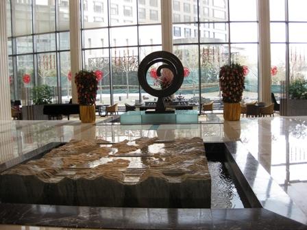 blog_ホテルのエントランス100210
