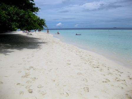 blog_昼のビーチ020510