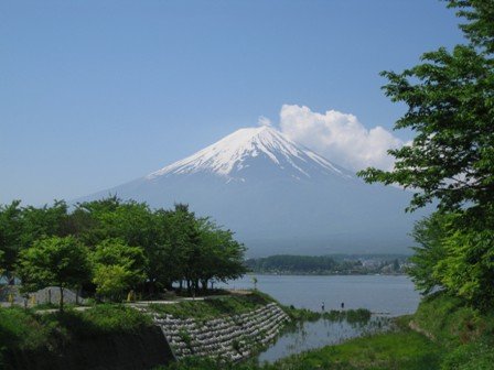 blog_山中湖越しの富士山220510