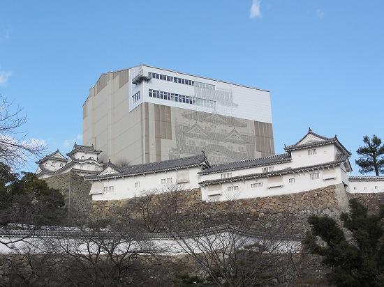修復中の姫路城外観