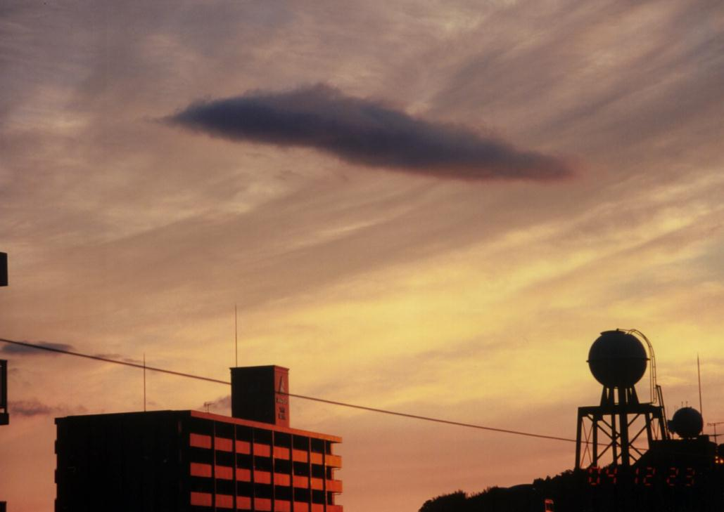 母船雲 接近 041223