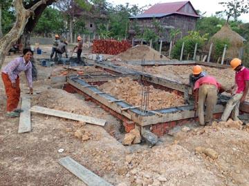 トロパントム小学校の図書館建設