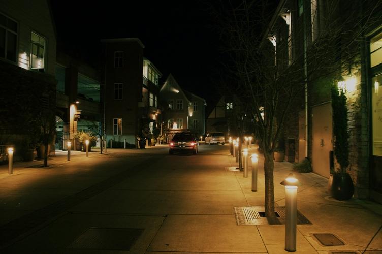 夜のLake Oswegoダウンタウン1